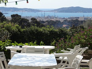 8 bedroom House with Internet Access in Toulon - Toulon vacation rentals