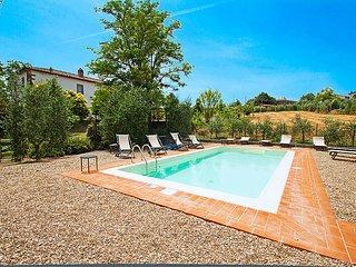 6 bedroom Villa in Cortona, Italy : ref 2215433 - Brolio vacation rentals