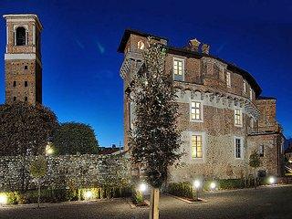 Comfortable 1 bedroom Castle in Sandigliano - Sandigliano vacation rentals