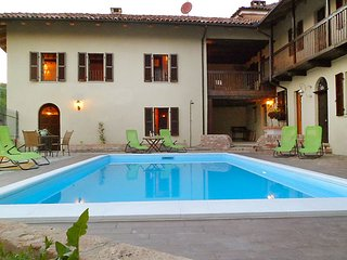 Nice House with Internet Access and Television - Frinco vacation rentals