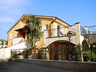 Nice 1 bedroom House in San Bartolomeo al Mare - San Bartolomeo al Mare vacation rentals