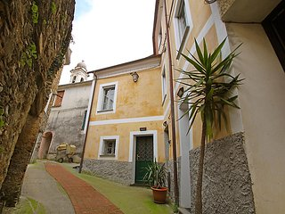 Nice 1 bedroom House in Stellanello - Stellanello vacation rentals