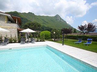 Beautiful 2 bedroom House in Idro - Idro vacation rentals