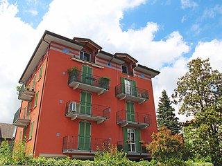 Comfortable 2 bedroom Porto Ceresio House with Internet Access - Porto Ceresio vacation rentals