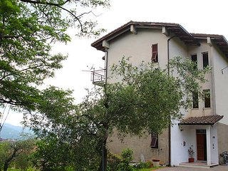Sunny House with Television and Balcony - Santo Stefano di Magra vacation rentals