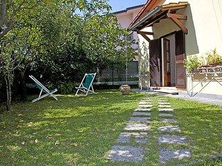 Nice 2 bedroom Forte Dei Marmi House with Internet Access - Forte Dei Marmi vacation rentals