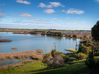 Comfortable 4 bedroom House in Tailem Bend - Tailem Bend vacation rentals