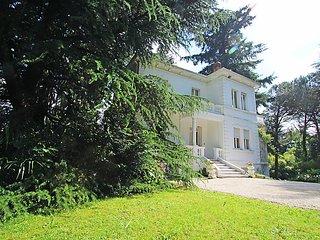 3 bedroom Villa in Viggiu', Lake Lugano, Italy : ref 2008370 - Viggiu vacation rentals