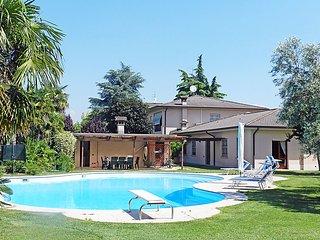 Cozy 2 bedroom House in Lonato with Internet Access - Lonato vacation rentals