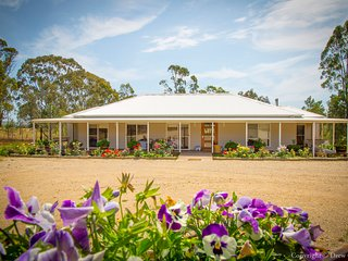 Cicada and Hunter Moon Country House Hunter Valley - Broke vacation rentals