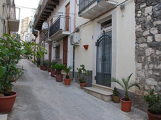 Nice House with A/C and Television - Modica vacation rentals