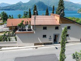 Residenza Decimina - Appartamento Guglielmo - Varenna vacation rentals