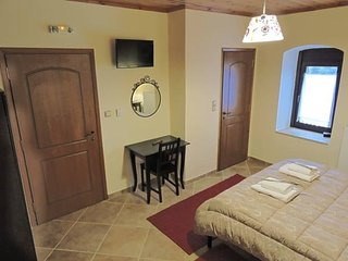Cozy 2 bedroom Guest house in Stemnitsa - Stemnitsa vacation rentals