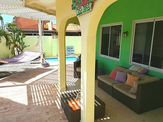 CASA DORA, comfy apt with pool & close2beach. - Noord vacation rentals