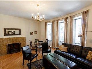 Classic Two bedroom Washington Heights New York - New York City vacation rentals