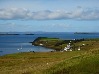 Comfortable 2 bedroom Waternish Cottage with Internet Access - Waternish vacation rentals