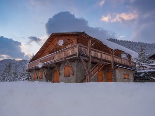 Spacious 6 bedroom Montgenevre Chalet with Television - Montgenevre vacation rentals