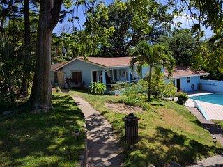 Beautiful 1 bedroom Villa in Woodlands with Internet Access - Woodlands vacation rentals