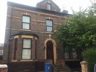 1Double 1single House in the Heart of Liverpool RG - Liverpool vacation rentals