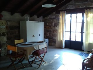 Nice Bed and Breakfast with A/C and Satellite Or Cable TV - Aradeo vacation rentals