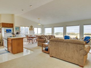 Oceanfront home right on the sand w/ deck, jetted tub, & shared pool - Waldport vacation rentals