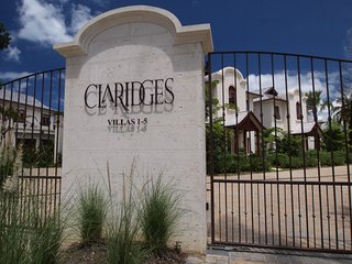 Specacular 3 Bedroom Villa steps from the beach. - Gibbes vacation rentals