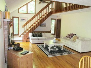 Treetop Lodge - The Perfect Mountain Getaway! - Bushkill vacation rentals