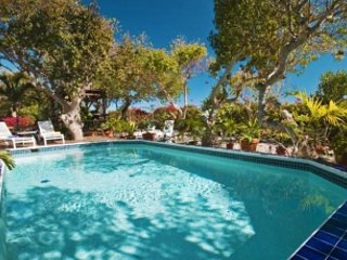 Fabulous 5 Bedroom Villa in Cabrita Point - Cabrita Point vacation rentals