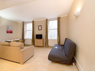 AWESOME CENTRAL APT A STROLL FROM HYDE PARK - London vacation rentals