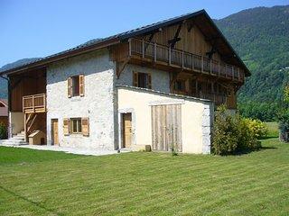 ferme rénovée 400m2 à 2Km de Morillon Grand Massif - La Riviere-Enverse vacation rentals