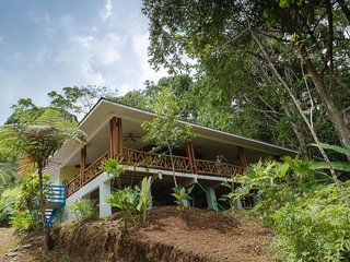 Nice House with Deck and Internet Access - Quepos vacation rentals