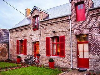 """Gîte """"Aux Portes de la Baie"""" - Port-le-Grand vacation rentals"""
