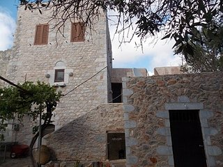 Beautiful Castle with Internet Access and A/C - Elea vacation rentals