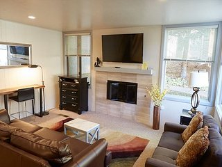Gorgeous 2BD 2BA Snowmass Condo in Prime Location - Snowmass Village vacation rentals