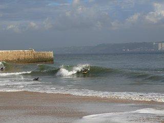 Cosy Beach Apart. in City Center - Paco de Arcos vacation rentals
