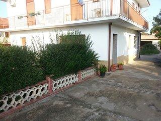 Appartamento in villa Giardino piano terra - Melilli vacation rentals