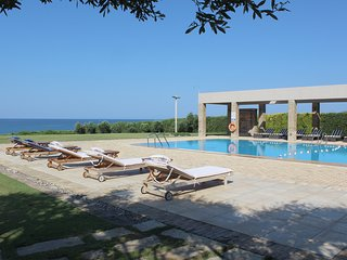 Bright 6 bedroom Villa in Kastrosikia - Kastrosikia vacation rentals