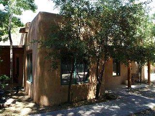 Villa de Suenos (Quaint Taos: short walk to Historic Plaza on TSV Shuttle Route) - Taos vacation rentals