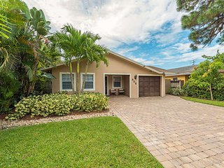 Lovely House with Internet Access and Patio - Naples vacation rentals