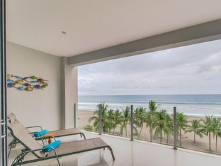 Oceanfront tropical condo with pool and beach access and stunning views! - Jaco vacation rentals