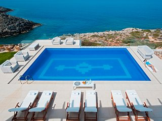 Villa Chryssi with heated pool and jacuzzi - Akrotiri vacation rentals