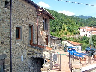 Comfortable Villa with Television and Microwave - Pontremoli vacation rentals