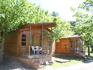 Camping Montsec - Bungalow Standard 2 - (4 Adultos) - Ager vacation rentals