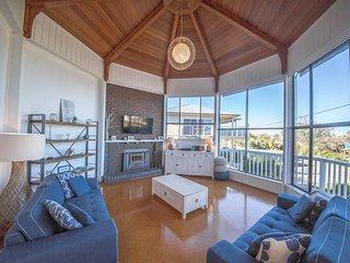 Gorgeous 5 bedroom House in Carrickalinga with A/C - Carrickalinga vacation rentals