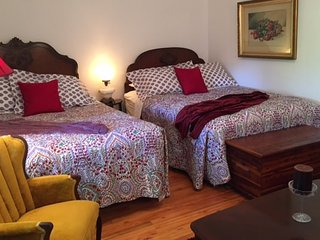 Gorgeous 1 bedroom Port Dover Bed and Breakfast with Internet Access - Port Dover vacation rentals