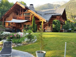 Luxury Chalet Echyllo 10 people. Serre Chevalier with shuttle nearby to the ski - Saint-Chaffrey vacation rentals