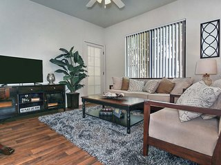 2-bed condo w/parking #150 - Phoenix vacation rentals