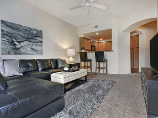 2-bed condo w/garage #202 - Phoenix vacation rentals