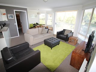 Sunny Apartment with Garage and Parking - Jindabyne vacation rentals