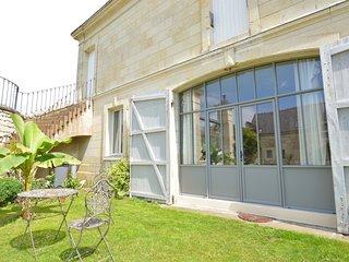 """Bel appartement """"Bonheur de Ronsard"""" - Beaumont-en-Veron vacation rentals"""